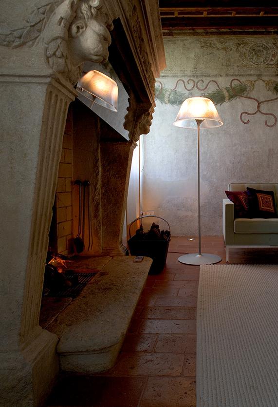 Romeo Moon Floor