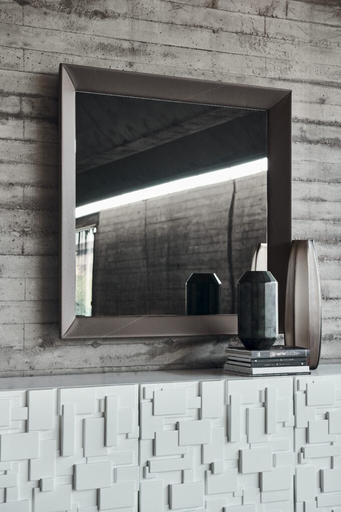 Taxedo Mirror