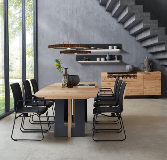 Runa Dining Table