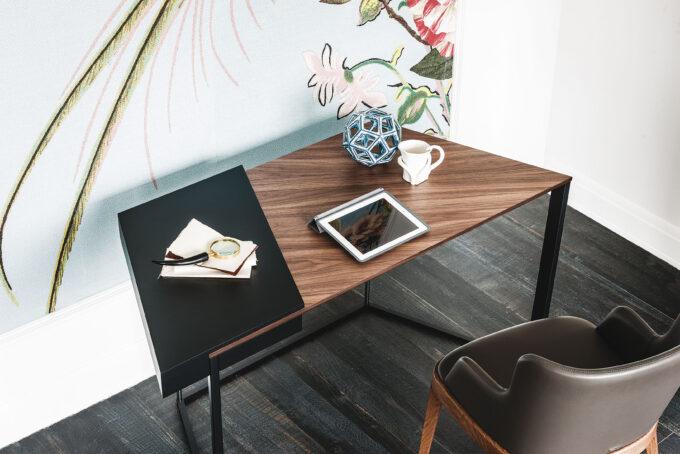 Clarion Desk