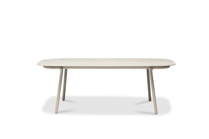Minus High Dining Table