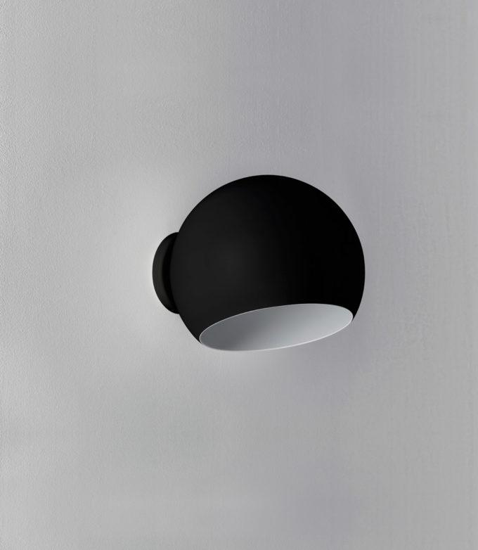 Tilt Globe Wall Short Black