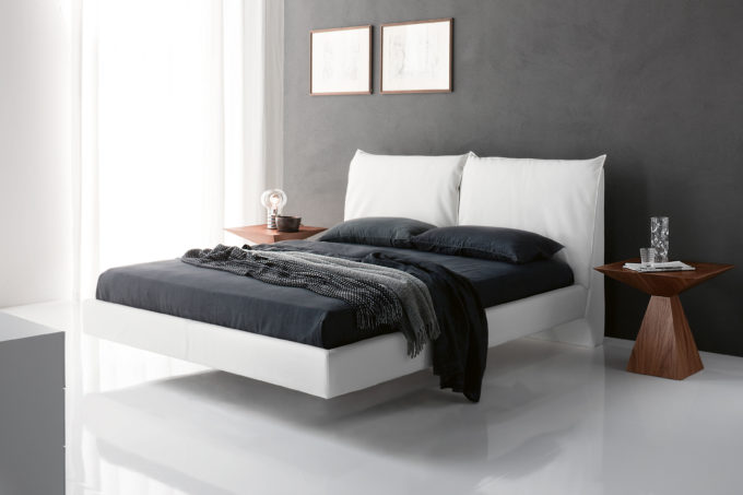 Lukas Bed