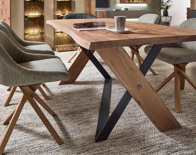 Vara Dining Table